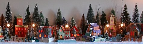 Click to be charmed by Antoinette Stockenberg's wonderful Christmas displays.